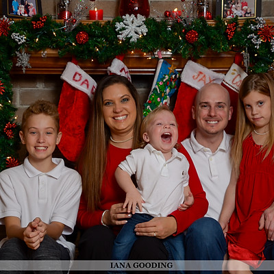 Family Christmas Pictures