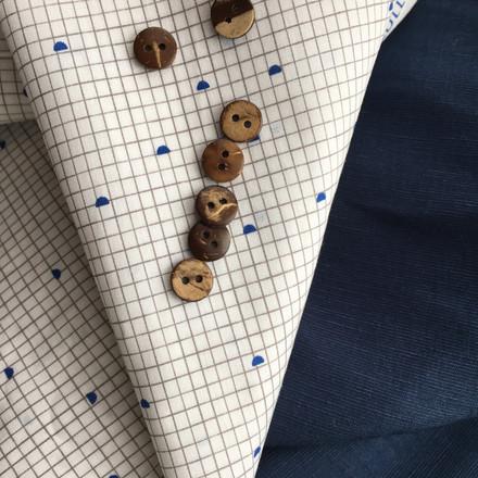 Tissu bleu et blanc