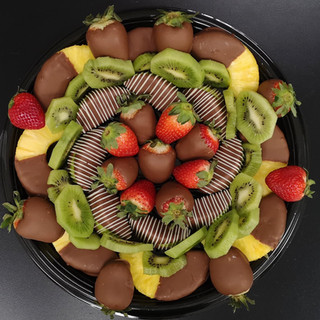 Chocolate deluxe platter replacing grapes with kiwi slices