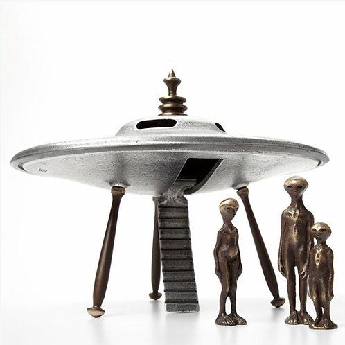 Flying Saucer and Alien Family by Scott Nelles