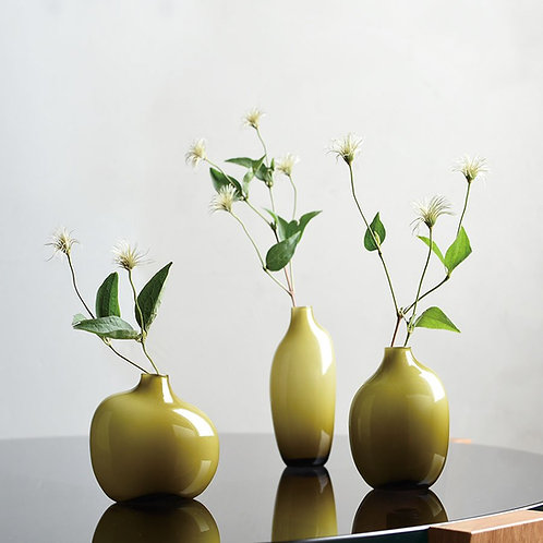 Short Sacco Bud Vase by Kinto