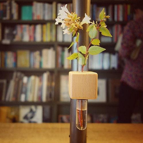 Smart Cube Magnetic Vase by Funnyfish Design