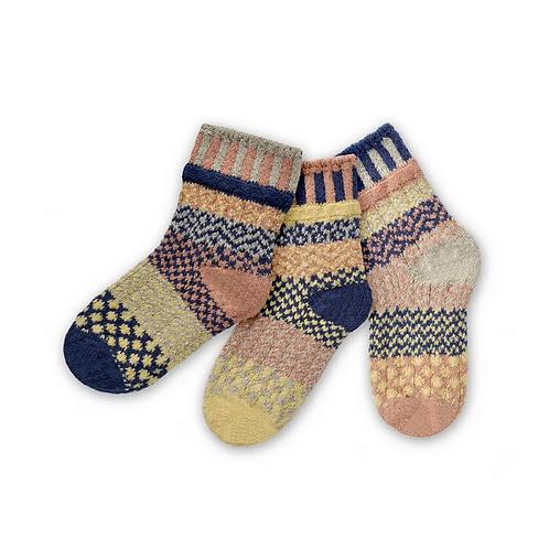 Kids Socks in Pearl Pattern by Solmate Socks