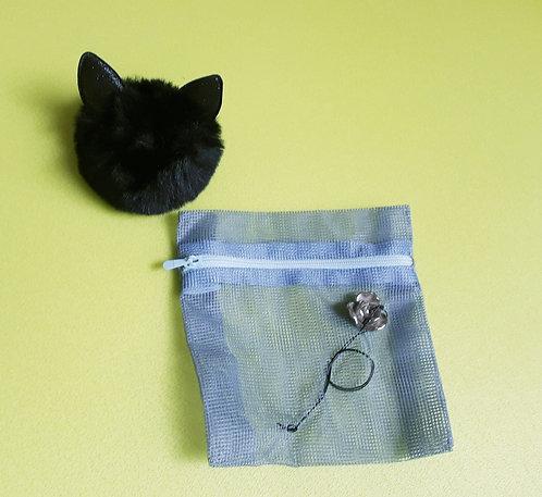 Necessaire retalhos de tecido e peça bijouteria