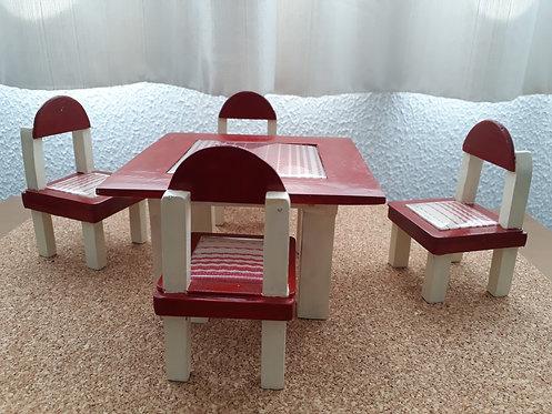 Conjunto mesa e cadeirinha para boneca