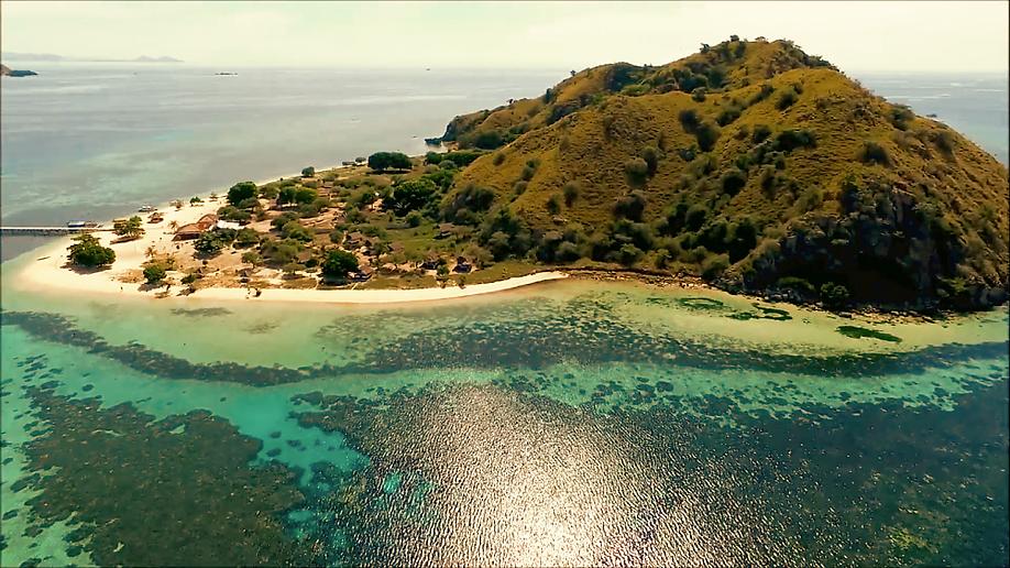 Explore Kanawa Island. Komodo tour from bali