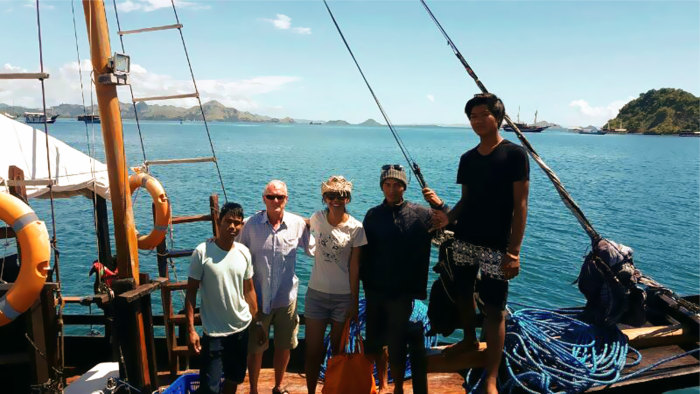 Komodo boat Tour crews and guests
