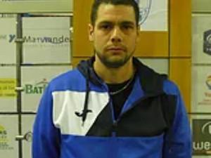 Tony Houplain , nouvel entraîneur de nos séniors 3 .