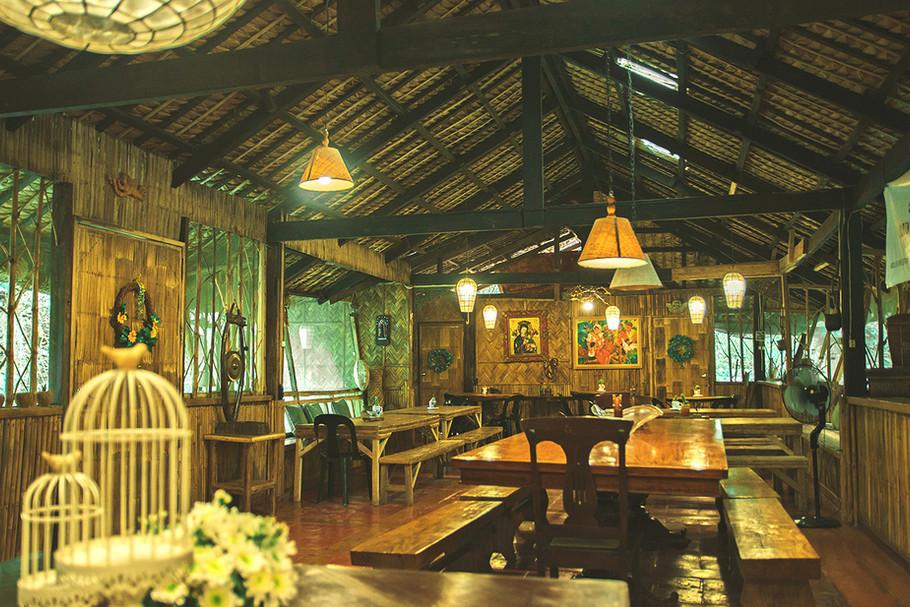 dining-lolis-interior2.jpg