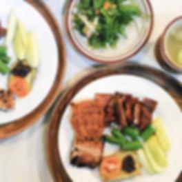 dining-plates.jpg