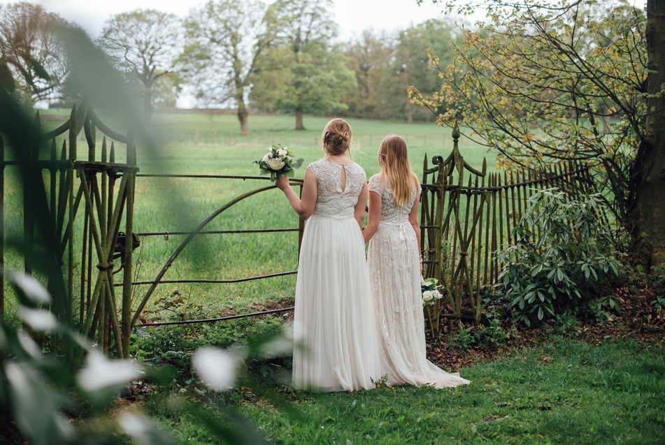 Fun and relaxed wedding photographer Mis