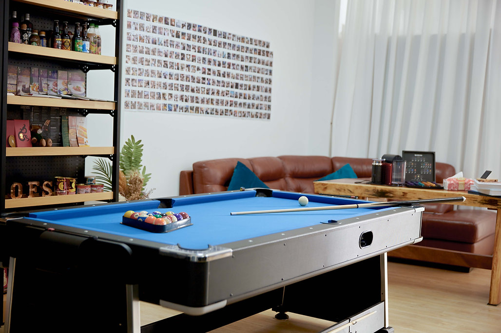 Studio 2 pool.8724.jpg