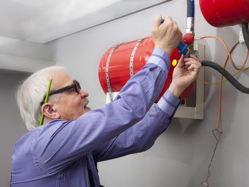 ¿Cual es la diferencia entre la recarga y/o mantenimiento de extintores?
