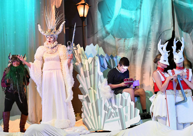 Lion, Witch and the Wardrobe - Rugby Theatre