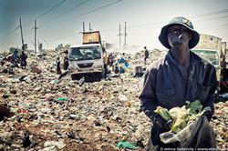 056_mirco_taliercio__Life_on_Kenya's_Dandora_dump_near_Nairobi