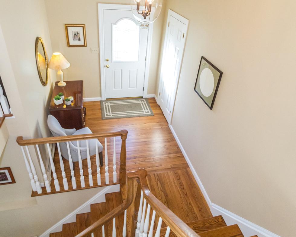 Upstairs Foyer 2.jpg