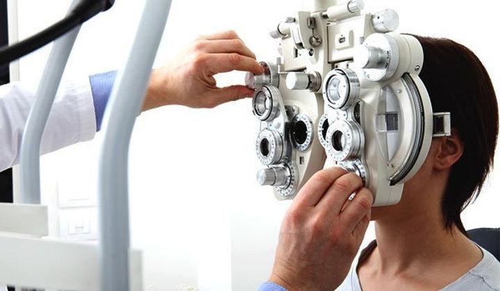 diferencias-entre-oftalmologo-y-oculista