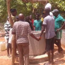 Bissau 우물 공사.jpg