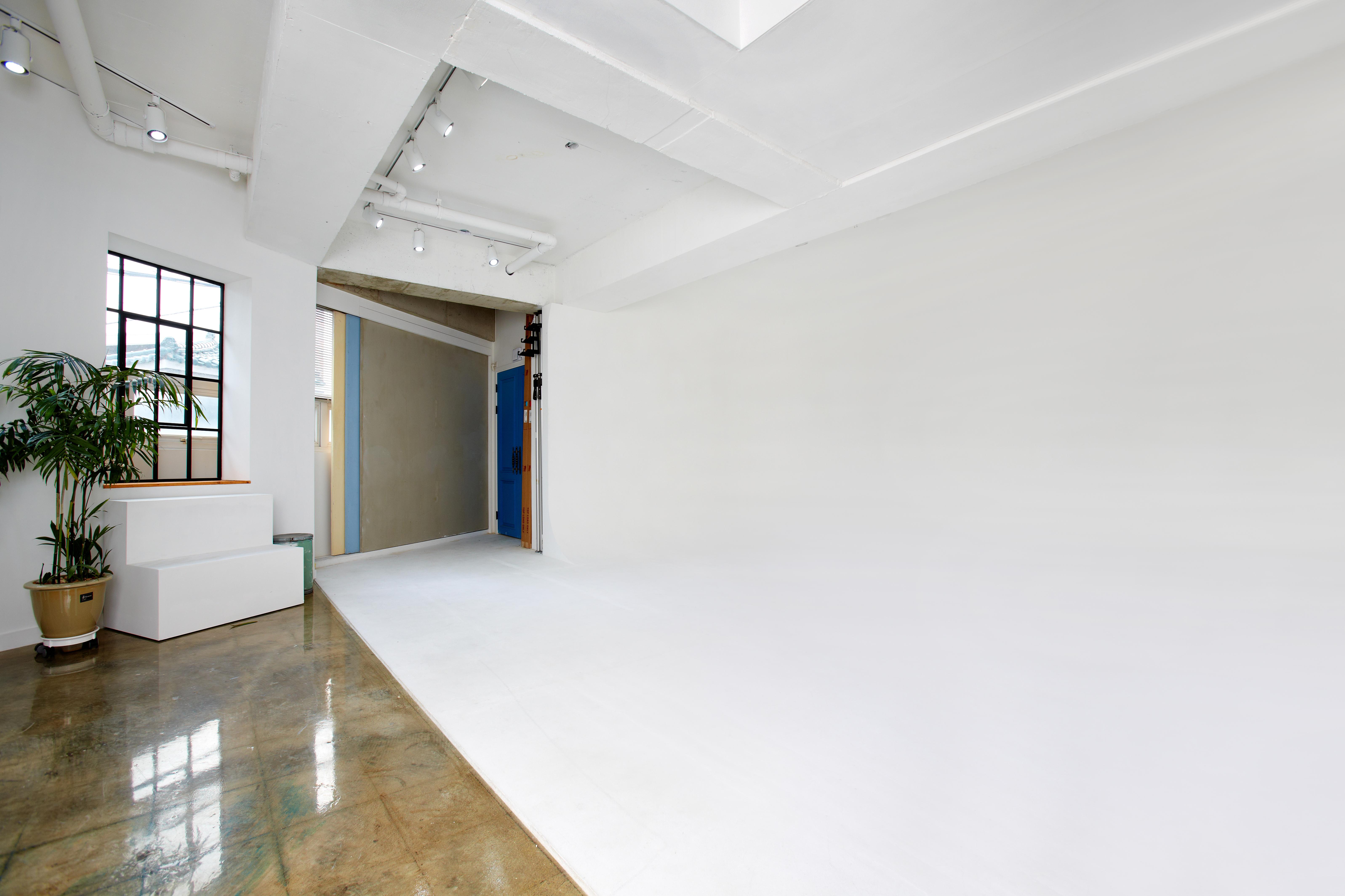 Room.C 186