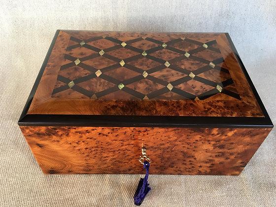 TB32-Inlaid Jewelry Box Mother Pearl 9.8x7x4.3 inch