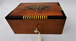 Jewelry cufflinks box
