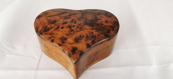 "T88- Thuya Burl Heart Box Cufflinks and Jewelery  4.2x3.6x1.9""  11x9x4.5cm"
