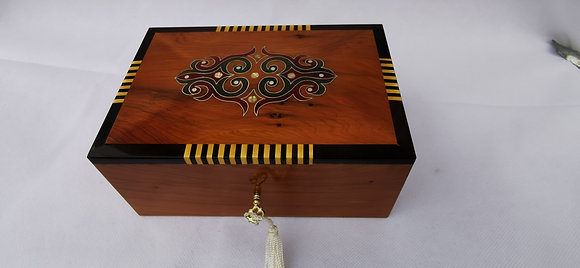 T85- Inlaid Jewelry Box Thuya Burl 6.6x3.9x3.1//17x10x8cm