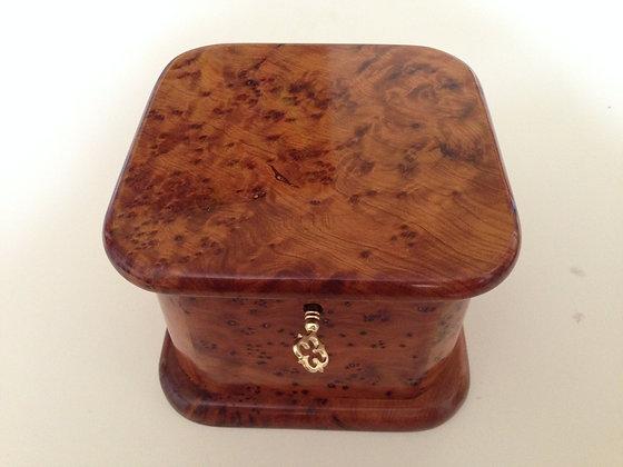 T58- Square Burl Thuga Stylish Box 12 cm