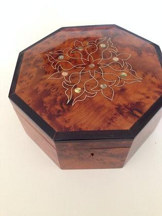 "T57- Stylich Jewellery Box. Cufflinks Box 7.8x7.8x3.9""20x20x10cm"