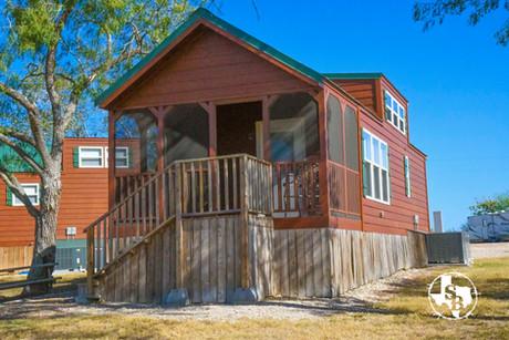 Exterior Cabin 9.1.jpg