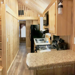Country Escape Cabin- Two bedroom with a Loft