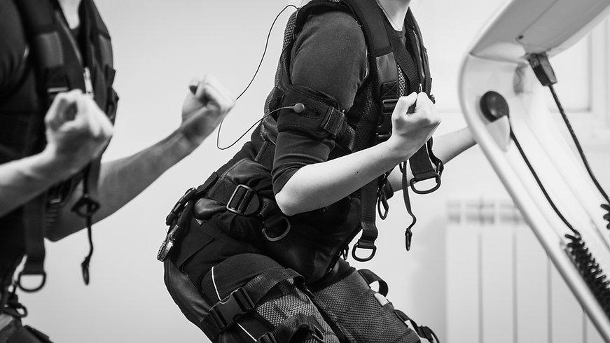 EMS Training, EMS, Elektrostimulation, beckenboden, rückbildung, nach der schwangerschaft, intensives Training, kurzes training, beckenbodenschwäche, inkontinentz, rumpfkapsel, rückenbeschwerden, abnehmen,
