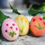 Ostereier mit Blumenmotiv (hängend)