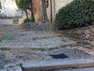 Promenade dans les ruelles d'Etoile s/ Rhône…