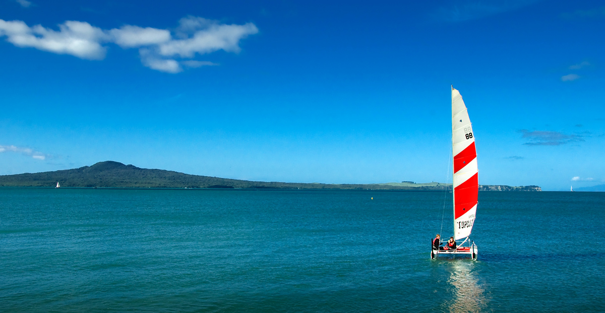 Sailing the Harbour