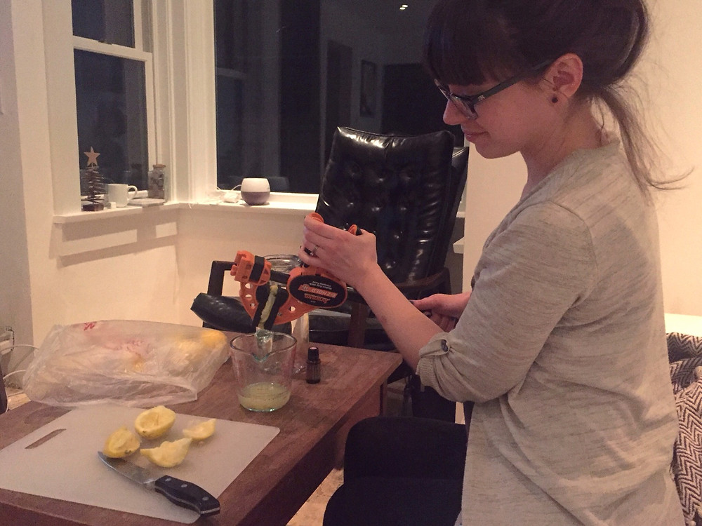 Living in a home renovation: Using a clamp as a juicer