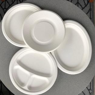 Fehér papír tányérok