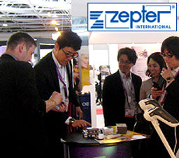 Magician Dorian working on the Zepter International Booth