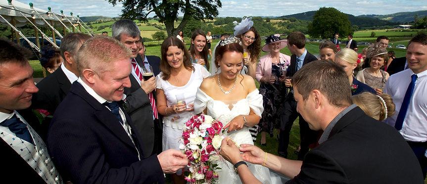 DORIAN - Wedding Magician