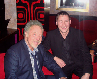 Wales Magician Dorian with the Legend Tom Jones