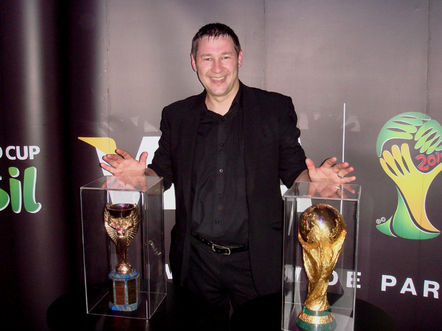 Magician Dorian with the World Cup in Rio