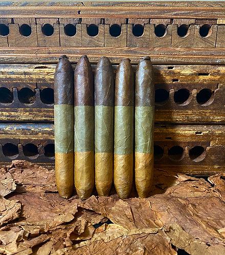 Pigtail Triple Wrapper Candela Salomon (6 in x 56 Ring Gauge)