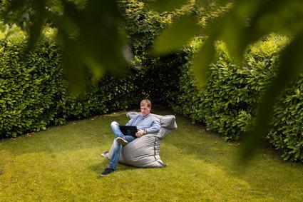 Arbeiten im Garten: tollkühn