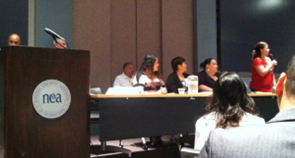 President of the NMSHSA Parent Affiliates and parents from the American Indian and Alaska Native Head Start Program share ideas on a panel discussion.