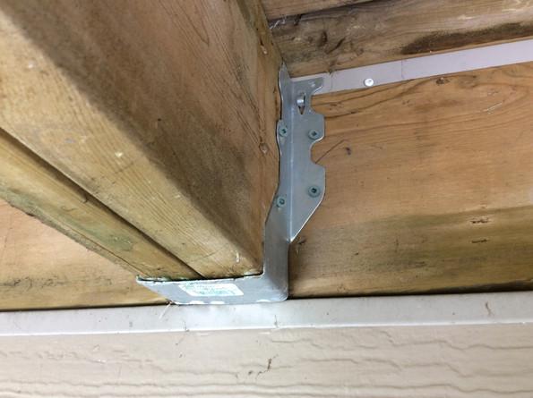 Incorrect fasteners for joist hanger