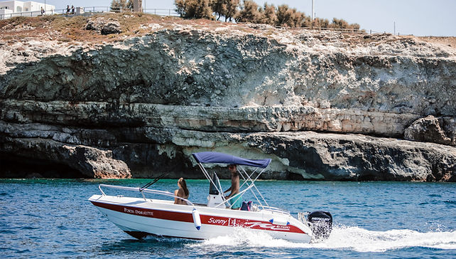 Noleggio barche Santa Maria di Leuca.jpg