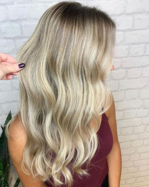 ☁️ Blonde bombshell to brighten up this