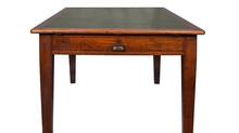 מוצר השבוע: שולחן אוכל עם מצע ירוק - 3500 שקל במקום 5700 שקל