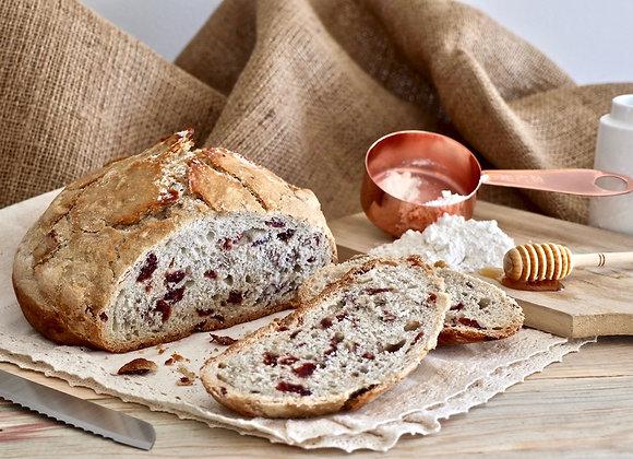 Pan relleno de requesón con nuez y arándano