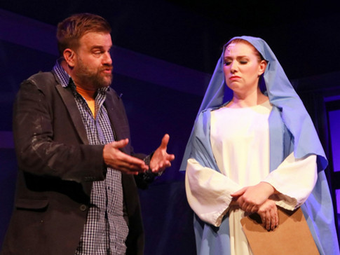 Amanda as The Virgin Mary in 'I Hate Musicals: The Musical'
